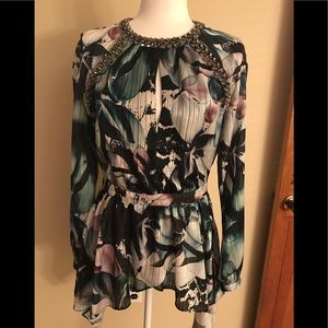 Bebe floral high low blouse size small